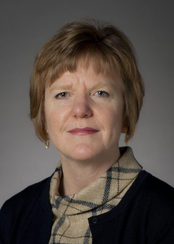 Dawn Davies (Présidente du groupe de travail)