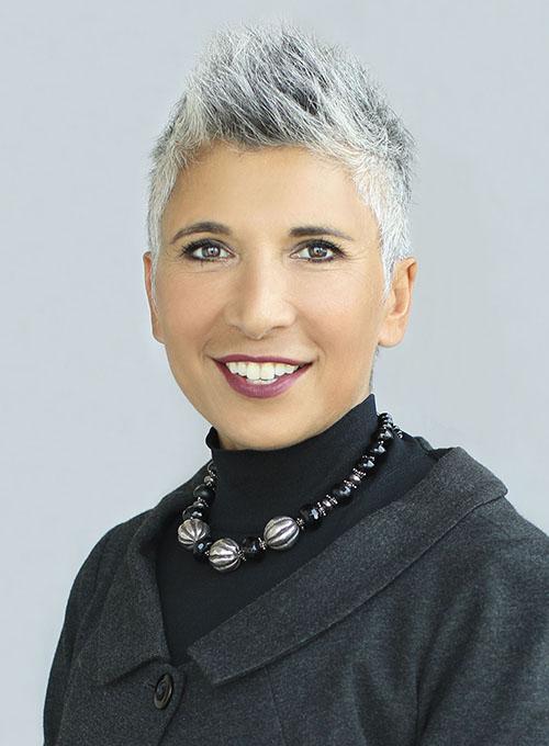 Tima Bansal (présidente)